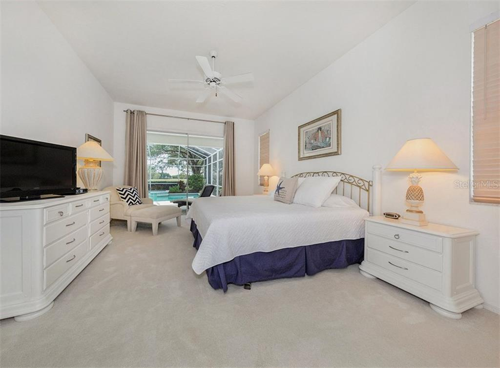 Master Bedroom - Single Family Home for sale at 122 Ventana Way, Venice, FL 34292 - MLS Number is N5912714