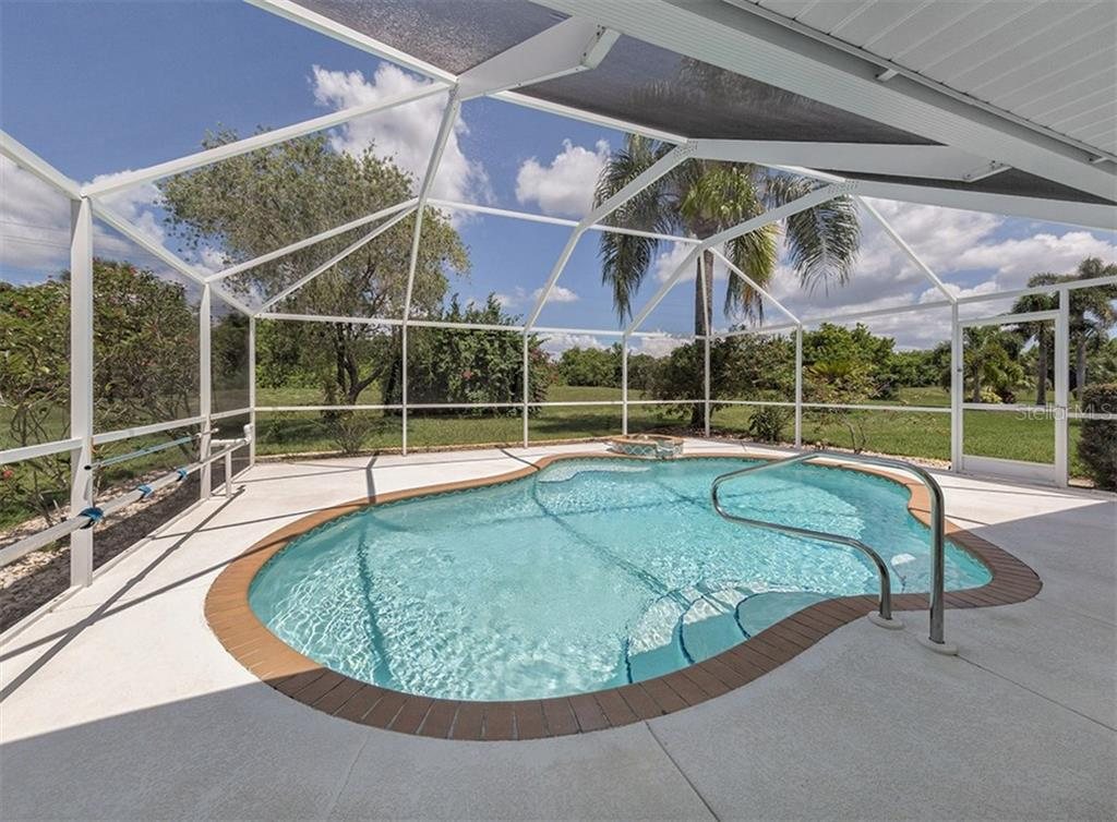 Pool - Single Family Home for sale at 683 May Apple Way, Venice, FL 34293 - MLS Number is N5913909
