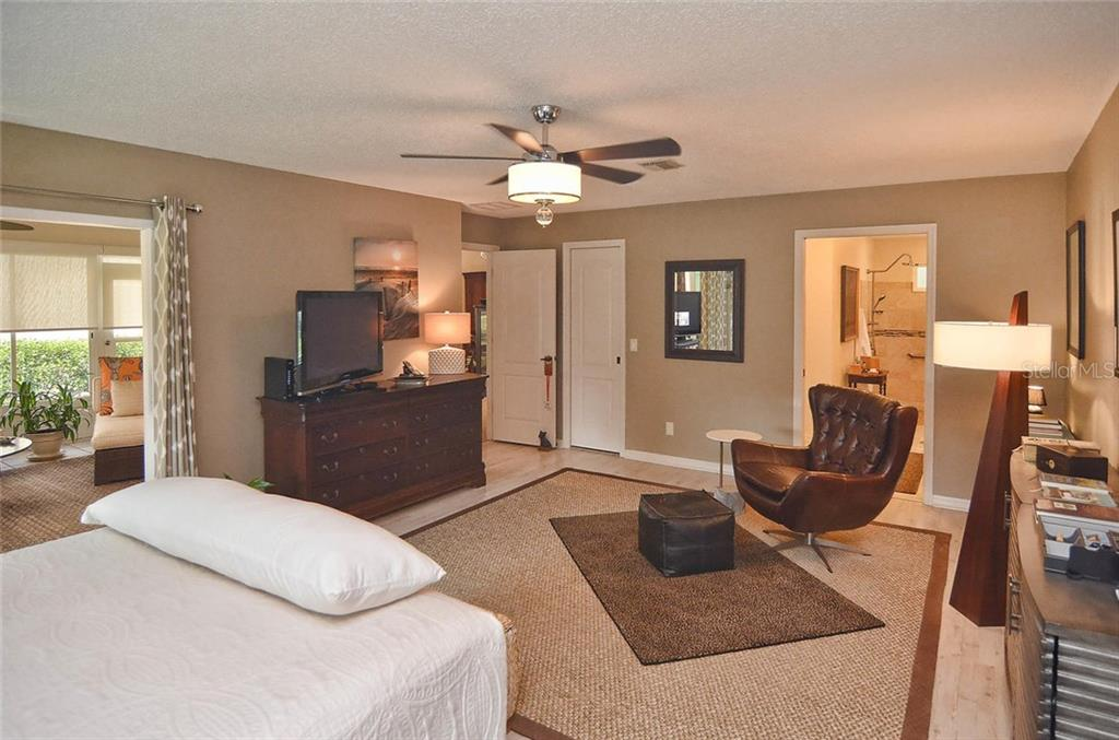 Master bedroom to Florida room and master bath - Single Family Home for sale at 1812 Ashley Dr, Venice, FL 34292 - MLS Number is N5914047