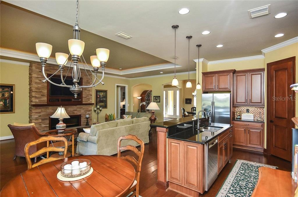 Kitchen/dinette - Single Family Home for sale at 277 Martellago Dr, North Venice, FL 34275 - MLS Number is N6100209