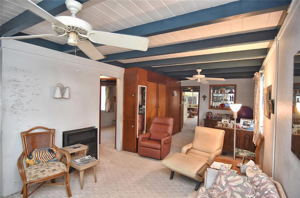 Living room - Single Family Home for sale at 616 S Casey Key Rd, Nokomis, FL 34275 - MLS Number is N6100721