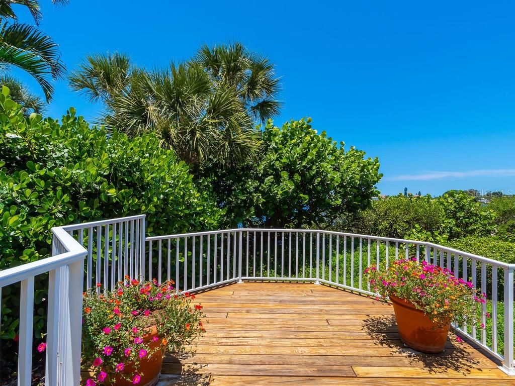 Deck - Single Family Home for sale at 743 Eagle Point Dr, Venice, FL 34285 - MLS Number is N6101092