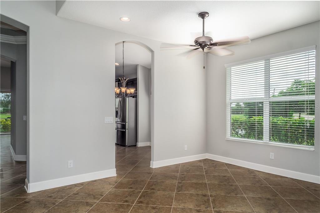 Formal Dining has Lake View - Single Family Home for sale at 2290 Terracina Dr, Venice, FL 34292 - MLS Number is N6101301