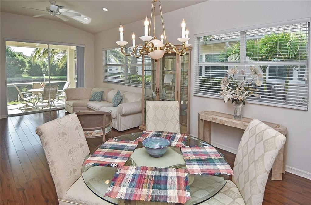 Dining area - Villa for sale at 1720 Fountain View Cir, Venice, FL 34292 - MLS Number is N6101363