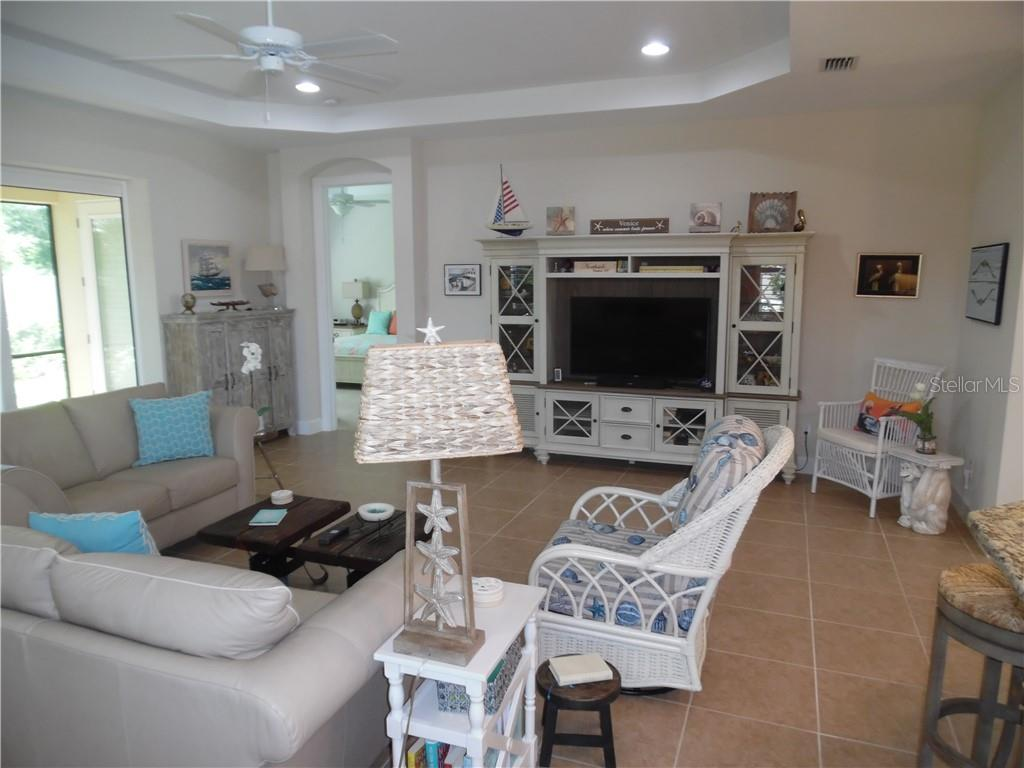 living room has recessed ceiling lights - Single Family Home for sale at 239 Nolen Dr, Venice, FL 34292 - MLS Number is N6101457
