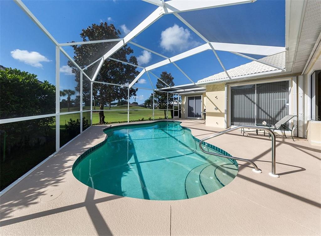 Single Family Home for sale at 538 Westmount Ln, Venice, FL 34293 - MLS Number is N6102252