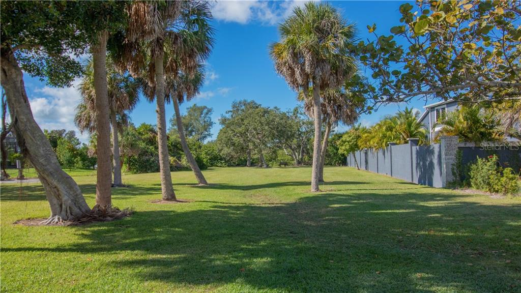 Bayfront Park with access to Lyons Bay - Single Family Home for sale at 409 Palm Ave, Nokomis, FL 34275 - MLS Number is N6102313