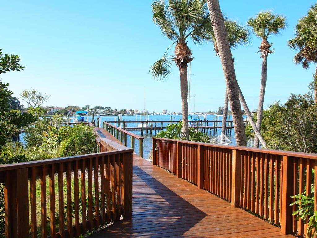 Dock - Single Family Home for sale at 732 Eagle Point Dr, Venice, FL 34285 - MLS Number is N6102366