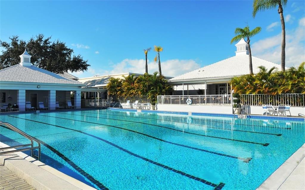 Community Pool - Single Family Home for sale at 516 Warwick Dr, Venice, FL 34293 - MLS Number is N6102550