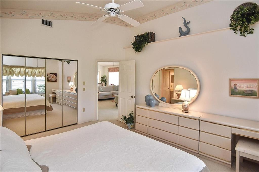 Master bedroom - Villa for sale at 740 Brightside Crescent Dr #21, Venice, FL 34293 - MLS Number is N6102676