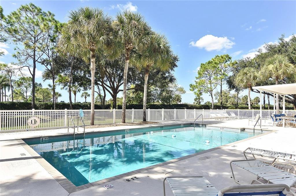 Community pool - Villa for sale at 740 Brightside Crescent Dr #21, Venice, FL 34293 - MLS Number is N6102676