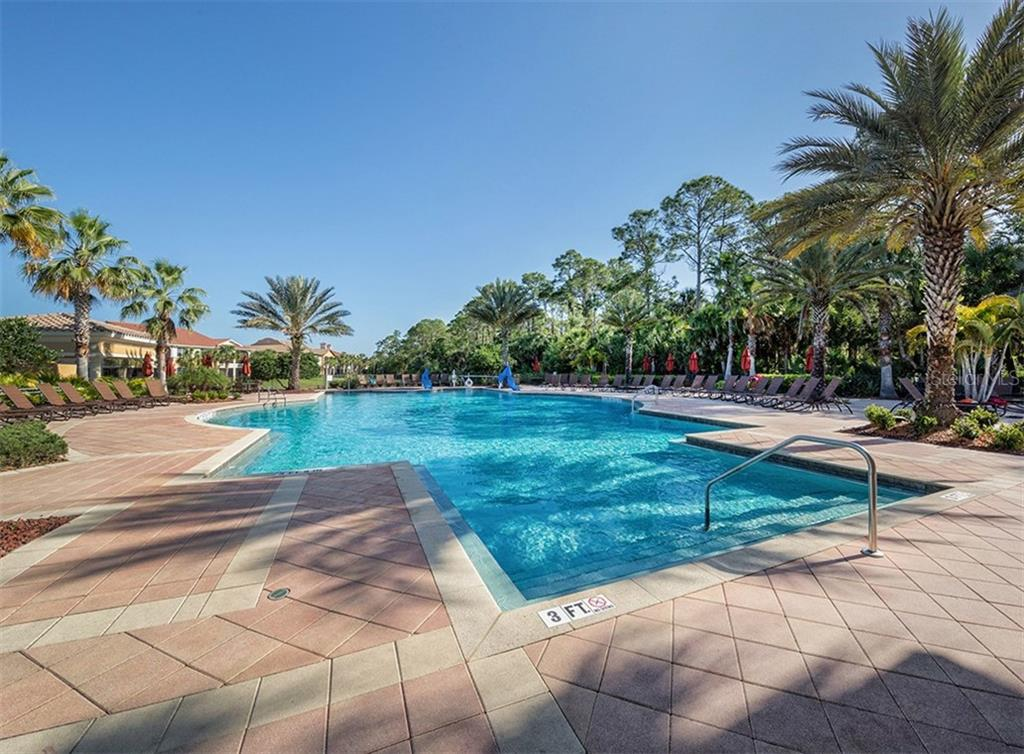 Community pool - Single Family Home for sale at 110 Martellago Dr, North Venice, FL 34275 - MLS Number is N6103159