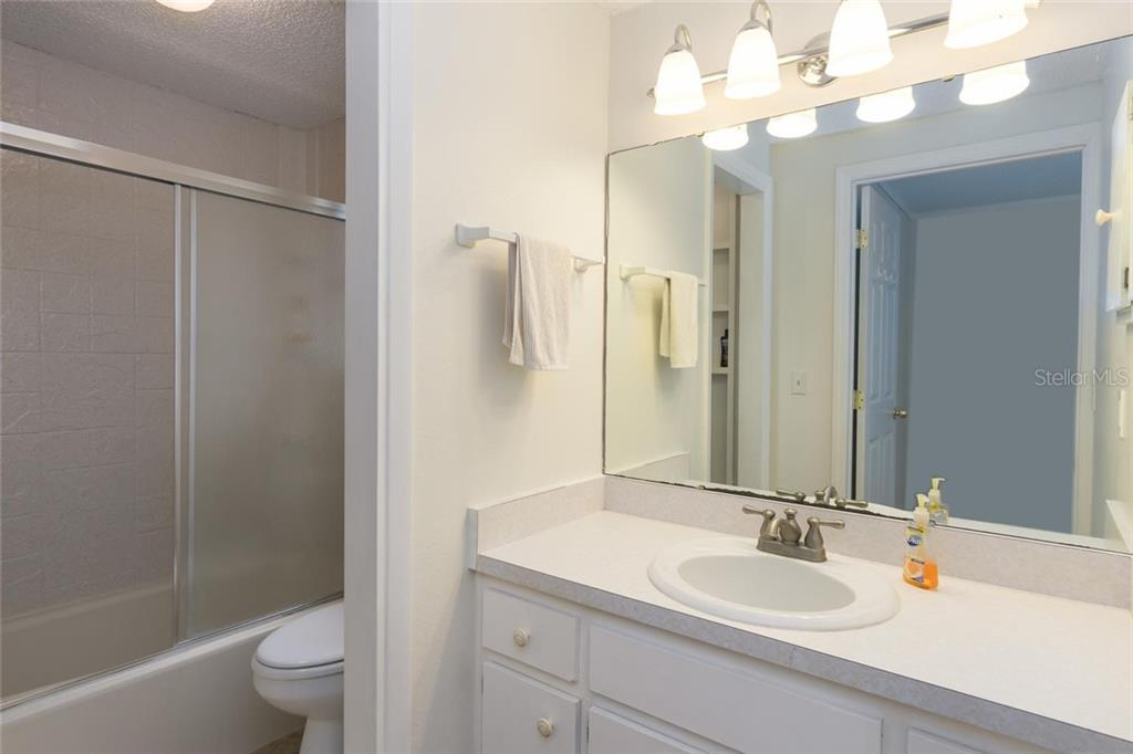 Master Bath, shower/tub combo. - Single Family Home for sale at 3656 Clematis Rd, Venice, FL 34293 - MLS Number is N6103558
