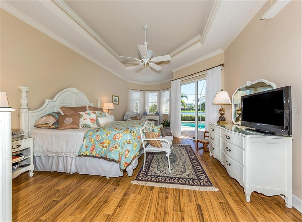 Master suite - Single Family Home for sale at 19799 Cobblestone Cir, Venice, FL 34292 - MLS Number is N6104694