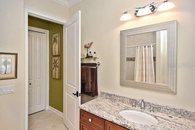 2nd bathroom - Single Family Home for sale at 753 Guild Dr, Venice, FL 34285 - MLS Number is N6105757