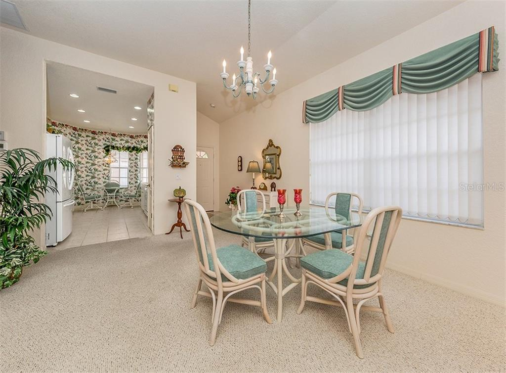 Courtyard - Villa for sale at 1230 Berkshire Cir, Venice, FL 34292 - MLS Number is N6105831