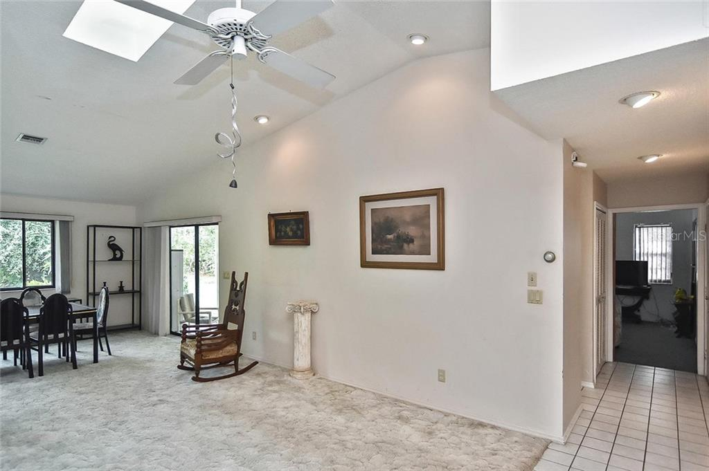 Living room - Single Family Home for sale at 125 Palm Ave E, Nokomis, FL 34275 - MLS Number is N6105973