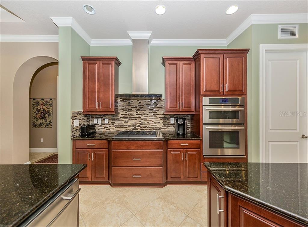 Kitchen - Single Family Home for sale at 189 Portofino Dr, North Venice, FL 34275 - MLS Number is N6106071