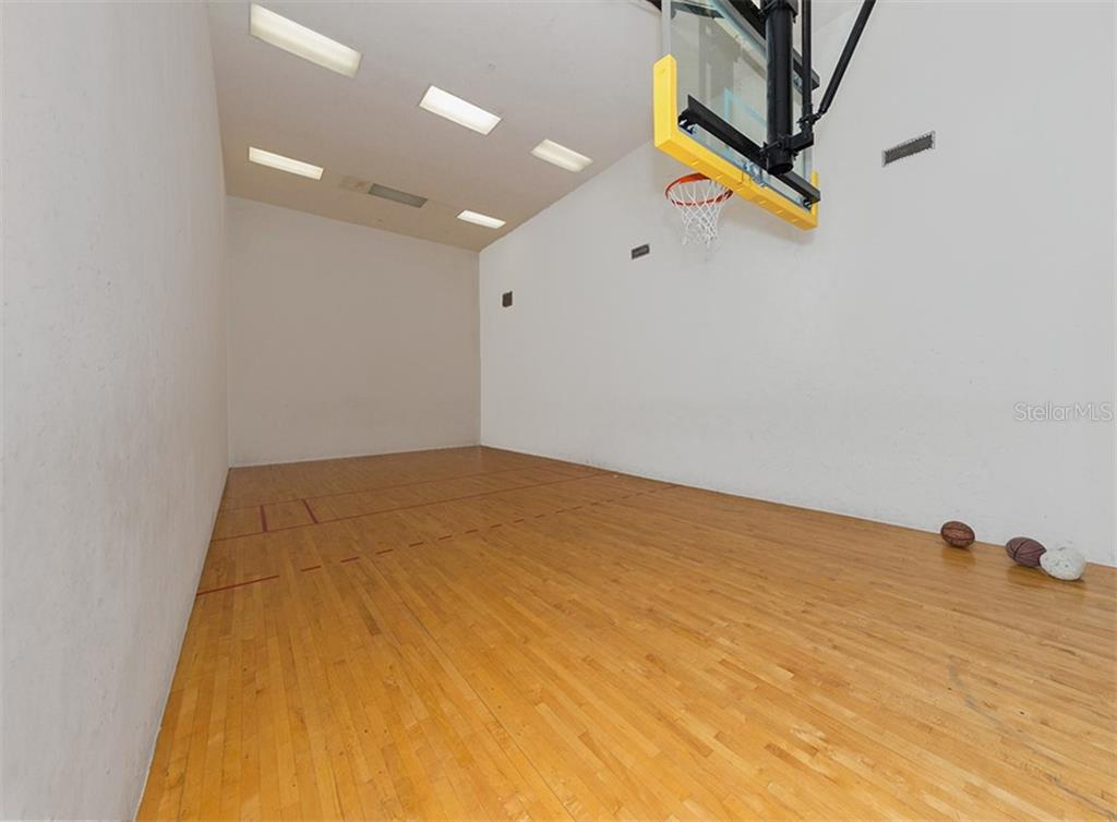 Racquetball/basketball - Condo for sale at 4110 Central Sarasota Pkwy #123, Sarasota, FL 34238 - MLS Number is N6106210