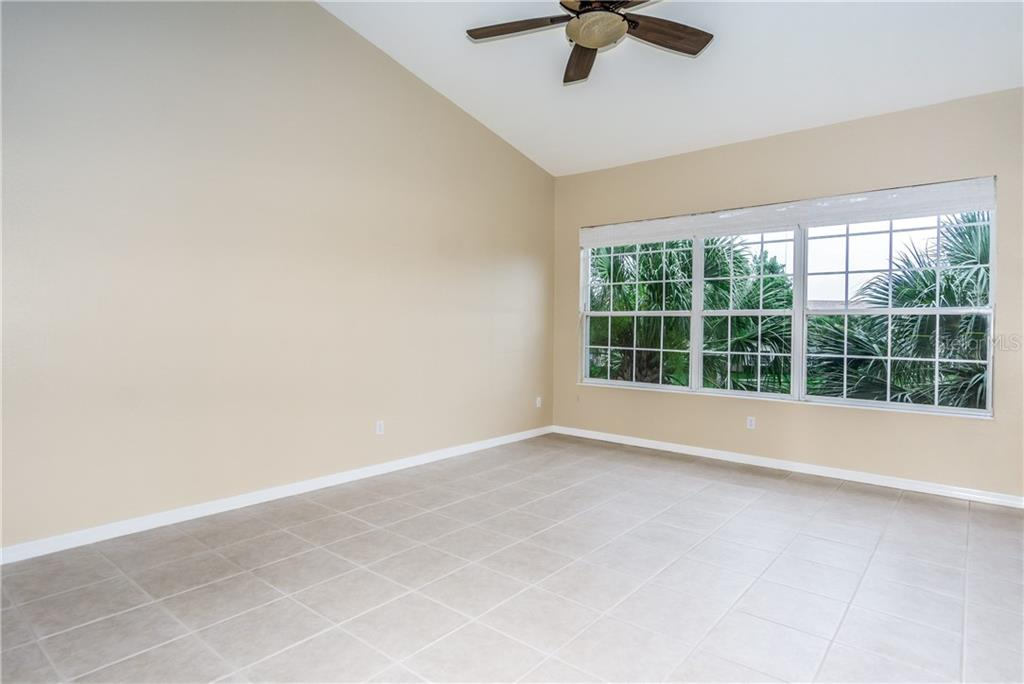Breakfast Bar - Condo for sale at 1910 Triano Cir #1910, Venice, FL 34292 - MLS Number is N6106332
