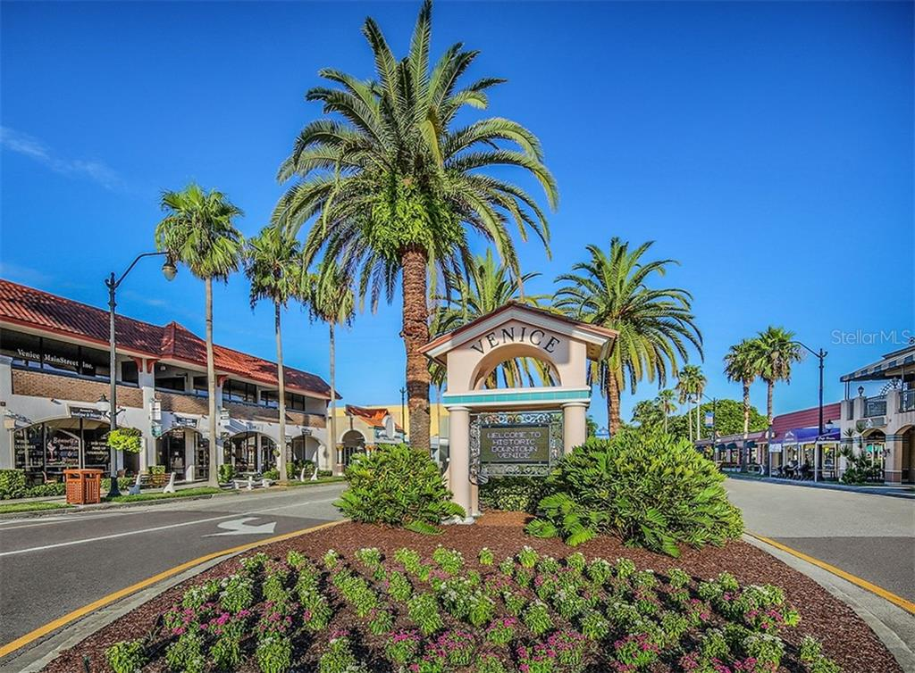 Downtown Venice Shopping - Single Family Home for sale at 262 Pesaro Dr, North Venice, FL 34275 - MLS Number is N6107589