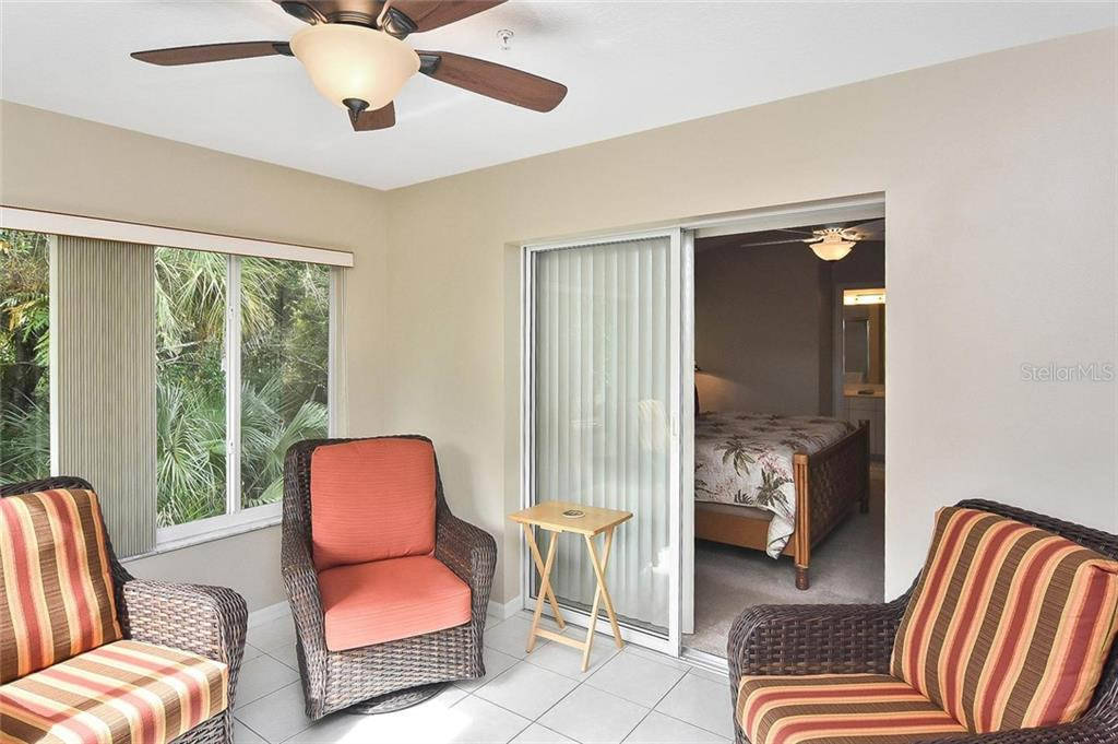 Community pool - Condo for sale at 817 Montrose Dr #201, Venice, FL 34293 - MLS Number is N6107943