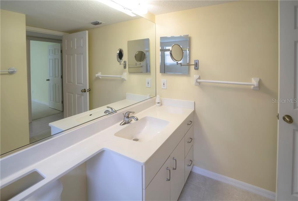 Guest Bath - Condo for sale at 815 Montrose Dr #101, Venice, FL 34293 - MLS Number is N6107969