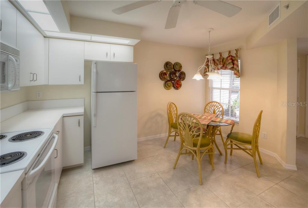 Eat In Kitchen - Condo for sale at 815 Montrose Dr #101, Venice, FL 34293 - MLS Number is N6107969