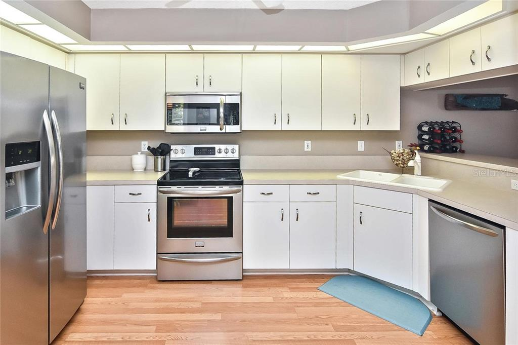 All new stainless steel appliances - Condo for sale at 817 Montrose Dr #204, Venice, FL 34293 - MLS Number is N6108125