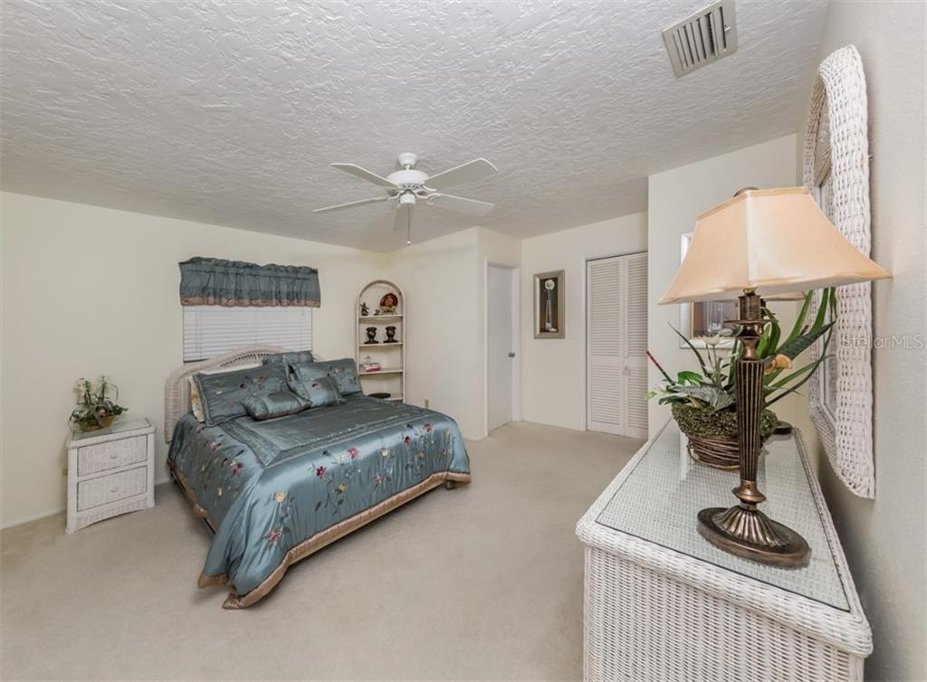 Master bedroom - Single Family Home for sale at 500 Harbor Dr S, Venice, FL 34285 - MLS Number is N6108518