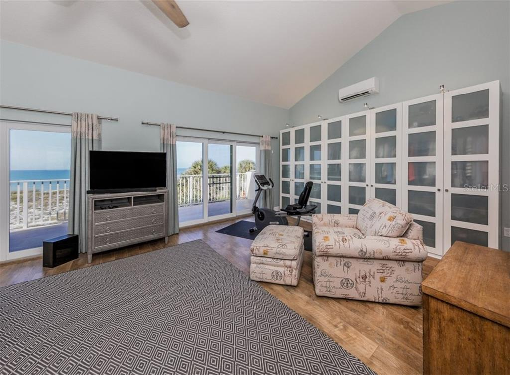 Master bedroom - Condo for sale at 840 Golden Beach Blvd #840, Venice, FL 34285 - MLS Number is N6108717