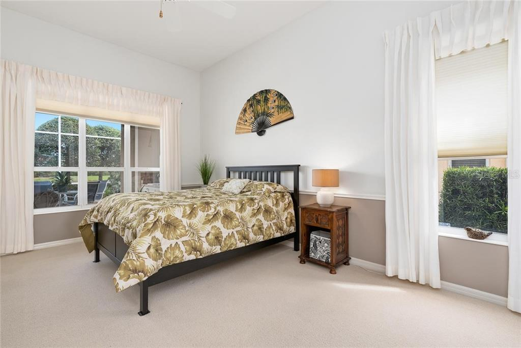 Master bedroom - Single Family Home for sale at 886 Macaw Cir, Venice, FL 34285 - MLS Number is N6111692