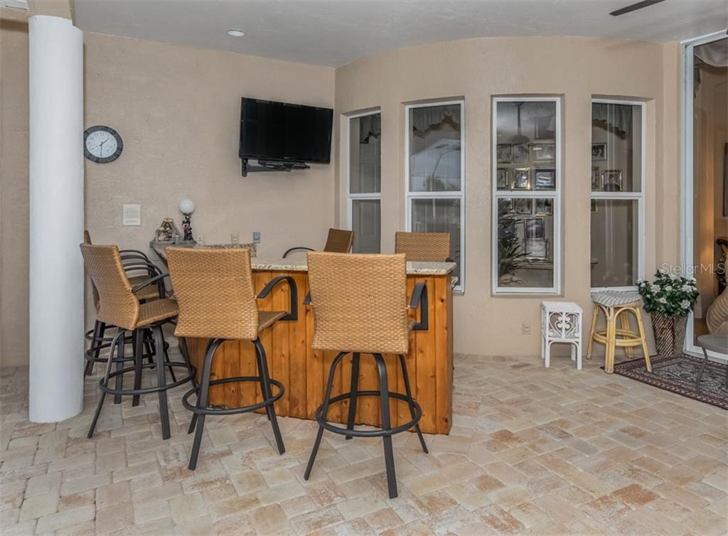 Lanai - Single Family Home for sale at 453 Anchorage Dr, Nokomis, FL 34275 - MLS Number is N6112707