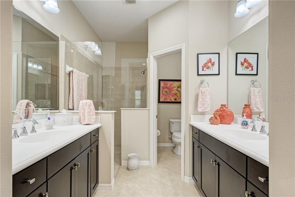 Master Bath - Villa for sale at 11433 Okaloosa Dr, Venice, FL 34293 - MLS Number is N6113314