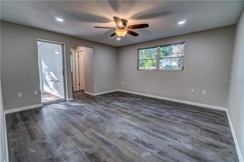 Master Bedroom - Single Family Home for sale at 607 Garden Rd, Venice, FL 34293 - MLS Number is N6113347