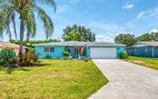Front - Single Family Home for sale at 404 Gulf Breeze Blvd, Venice, FL 34293 - MLS Number is N6110481