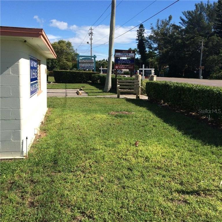 Additional photo for property listing at 5610 & 5620 Gulf Of Mexico Dr #1 5610 & 5620 Gulf Of Mexico Dr #1 Longboat Key, Florida,34228 Hoa Kỳ