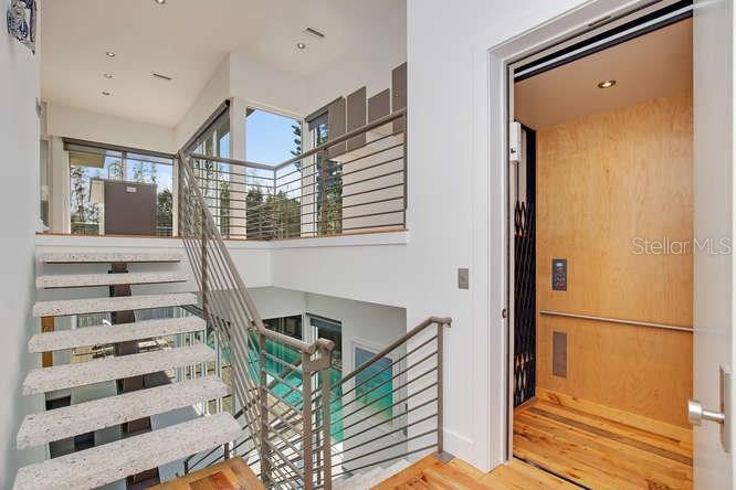 Additional photo for property listing at 320 Calle Miramar 320 Calle Miramar Sarasota, Florida,34242 Vereinigte Staaten