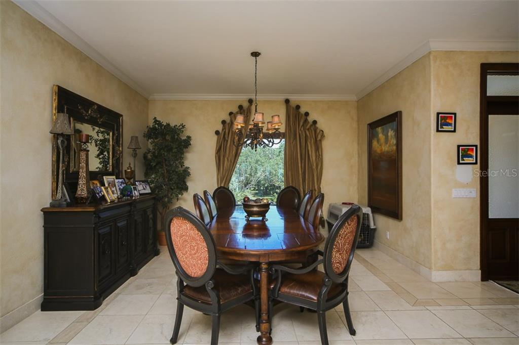 Additional photo for property listing at 4808 64th Dr W  Bradenton, Florida,34210 United States