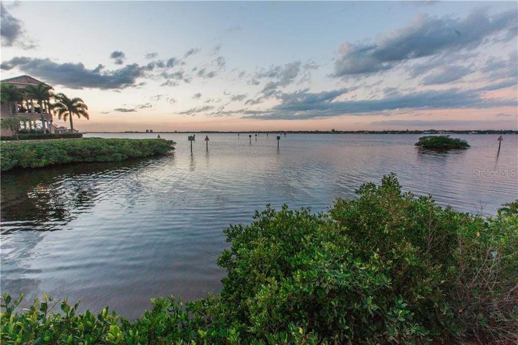 Additional photo for property listing at 608 Regatta Way 608 Regatta Way Bradenton, Florida,34208 Verenigde Staten