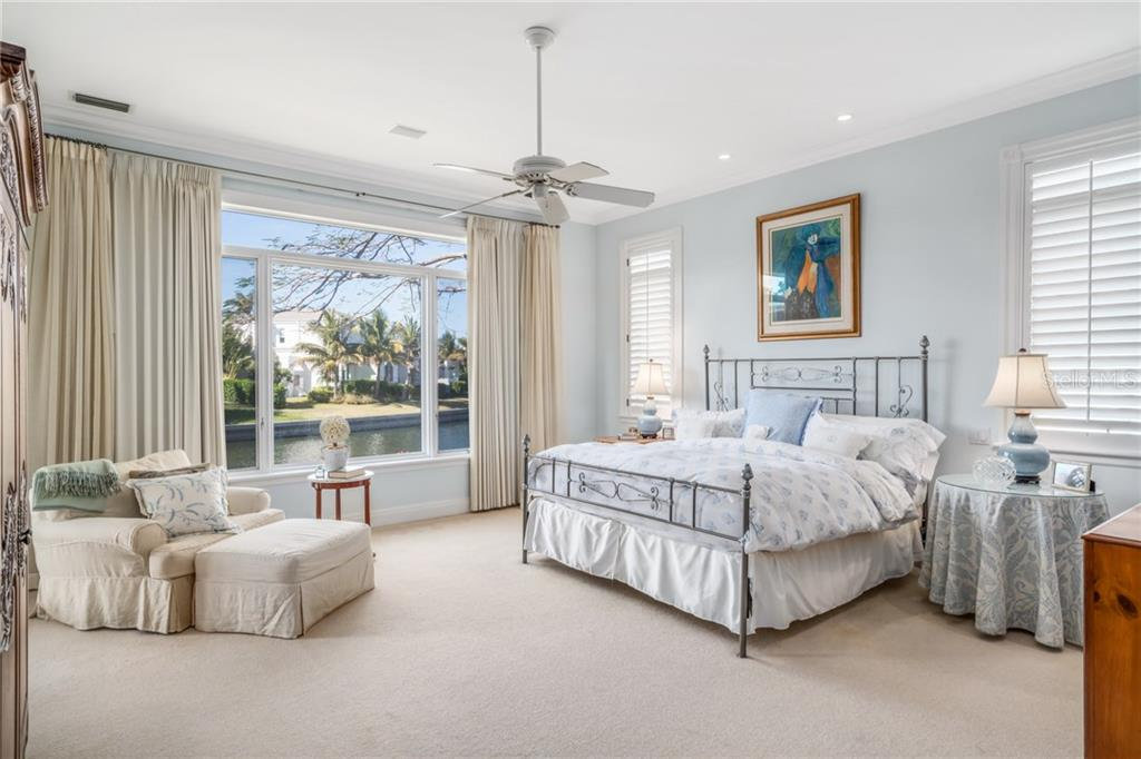 Additional photo for property listing at 511 Harbor Cay Dr 511 Harbor Cay Dr Longboat Key, Florida,34228 États-Unis