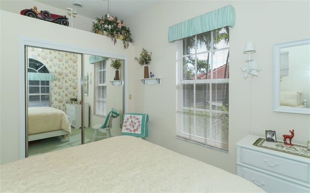 Guest bedroom - Single Family Home for sale at 6125 Varedo Ct, Sarasota, FL 34243 - MLS Number is A4420656