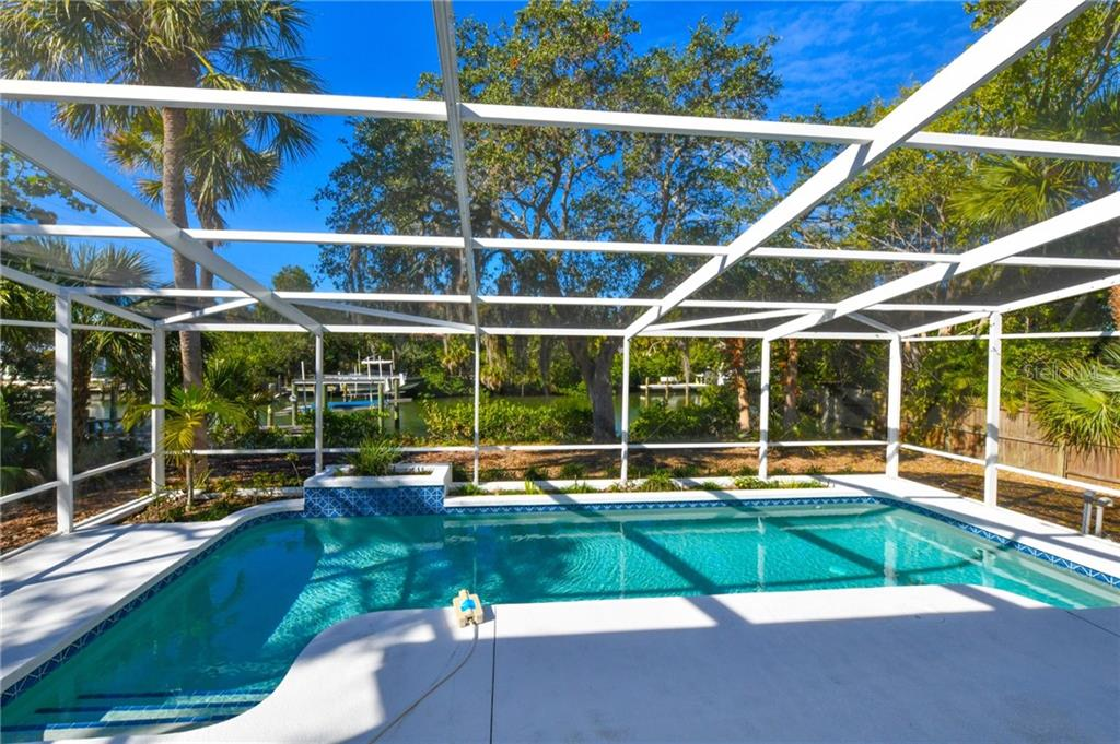 Single Family Home for sale at 5178 Oakmont Pl, Sarasota, FL 34242 - MLS Number is A4422909