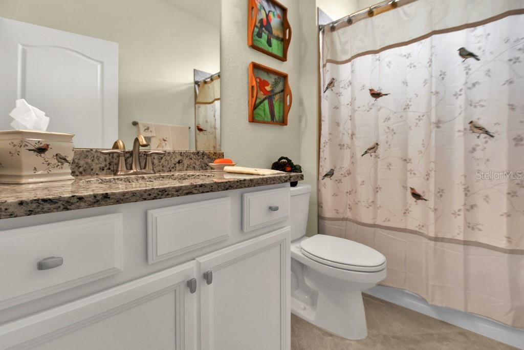 Bathroom 2 - Single Family Home for sale at 2937 Desert Plain Cv, Lakewood Ranch, FL 34211 - MLS Number is A4431016