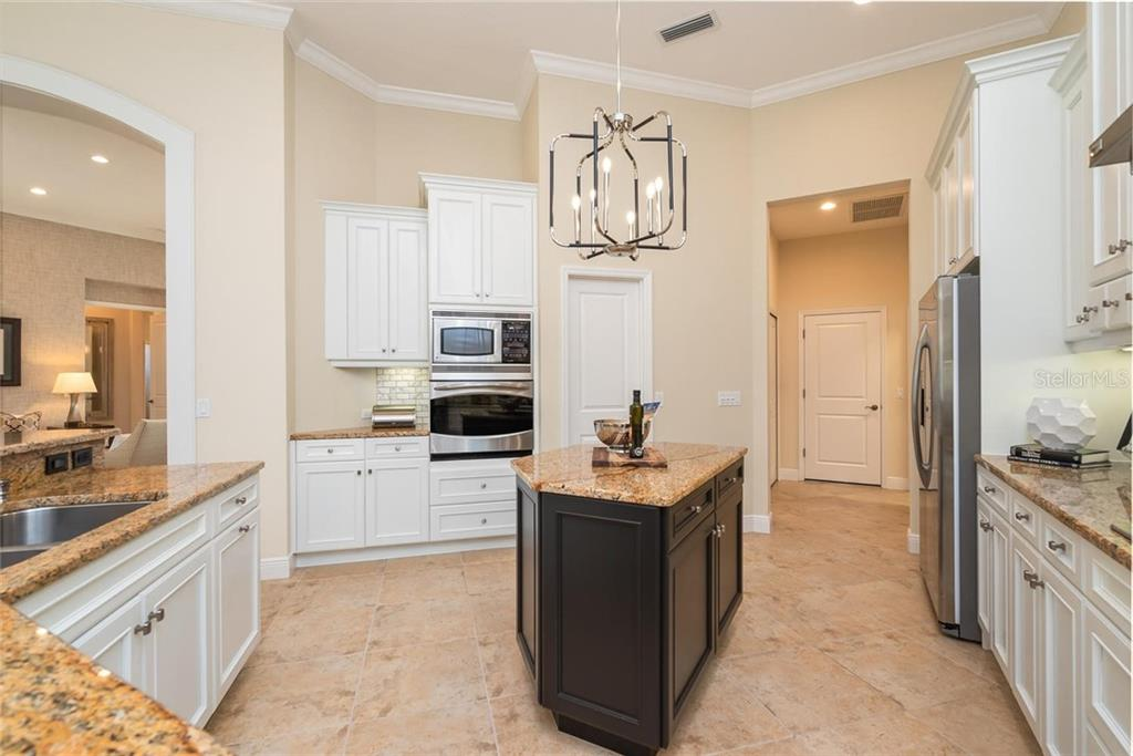 Single Family Home for sale at 7249 Greystone St, Lakewood Ranch, FL 34202 - MLS Number is A4434146
