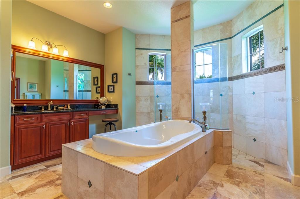 Master Bath Shower - Single Family Home for sale at 11728 Rive Isle Run, Parrish, FL 34219 - MLS Number is A4439074