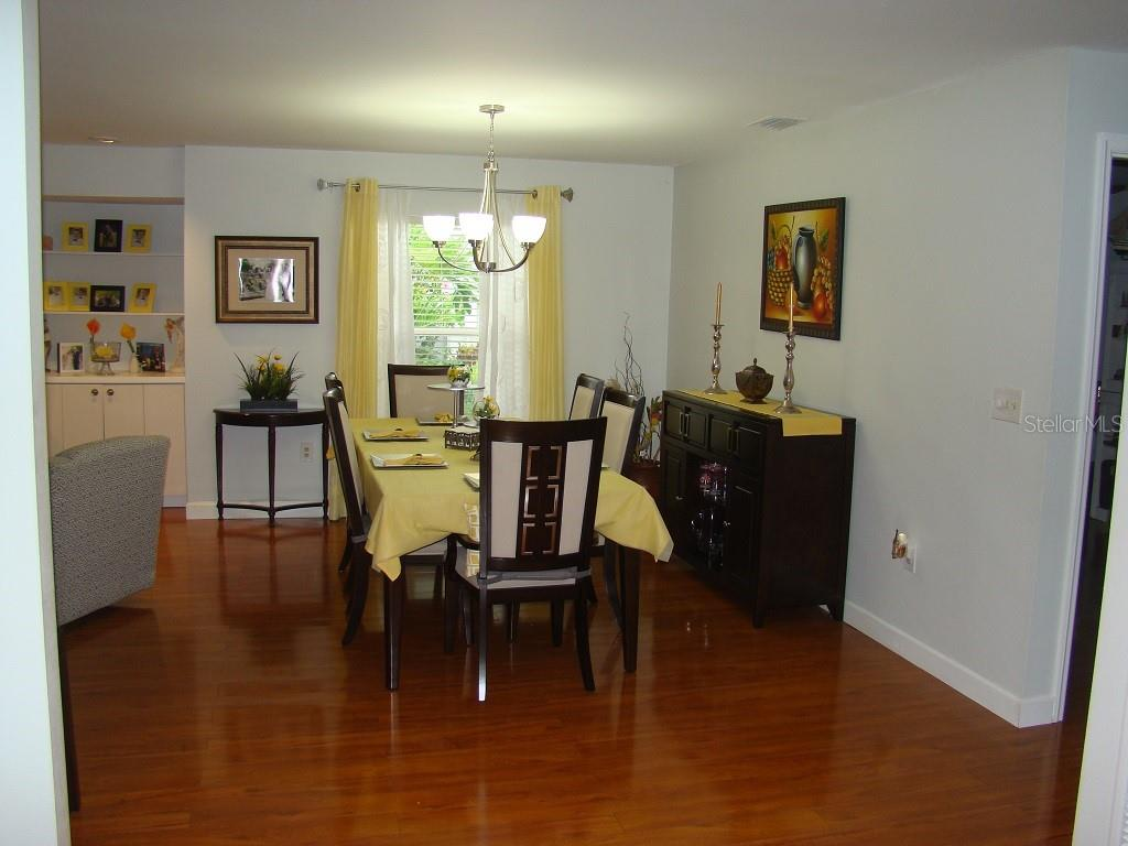 Dining - Villa for sale at 3008 Ringwood Mdw #5, Sarasota, FL 34235 - MLS Number is A4443322