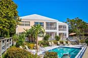 5645 Gulf Of Mexico Dr #203, Longboat Key, FL 34228